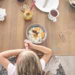 Dietetyk radzi: 10 pomysłów na zdrowe śniadania dla dzieci