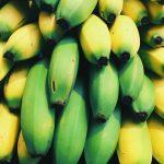 Omlet bananowy z kakao dla niemowlaka między 11 a 12 miesiącem życia